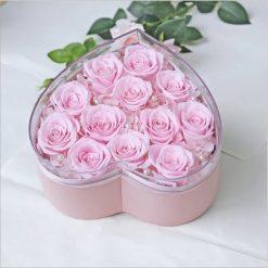 box de 12 roses éternelles roses en forme de coeur