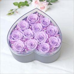 box de 12 vraies roses éternelles violettes en coeur
