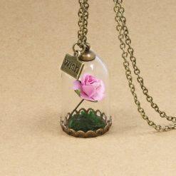collier et pendentif rose éternelle rose rétro