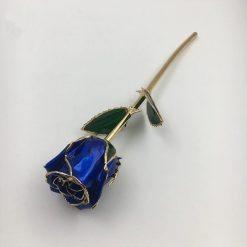 rose éternelle sur tige en or bleue bella