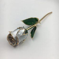 rose éternelle sur tige en or grise bella