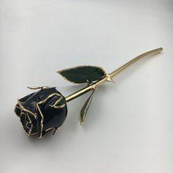 rose éternelle sur tige en or noire bella