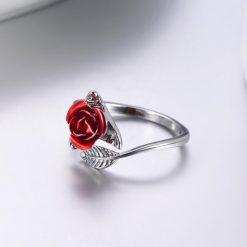 rose bague fleur couleur argent avec rose rouge